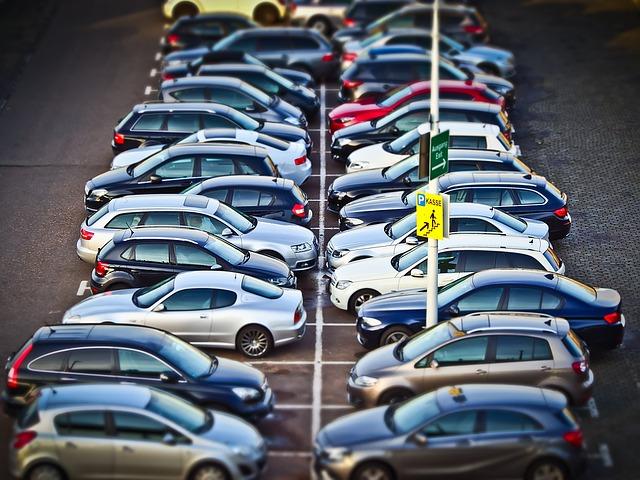 őrzött reptéri parkoló